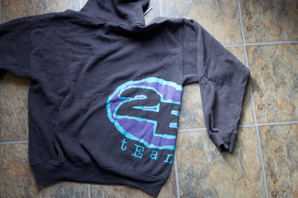 The 2B Team Logo design sweatshirt