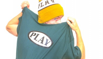 the PLAY oval logo tee shirt 1996