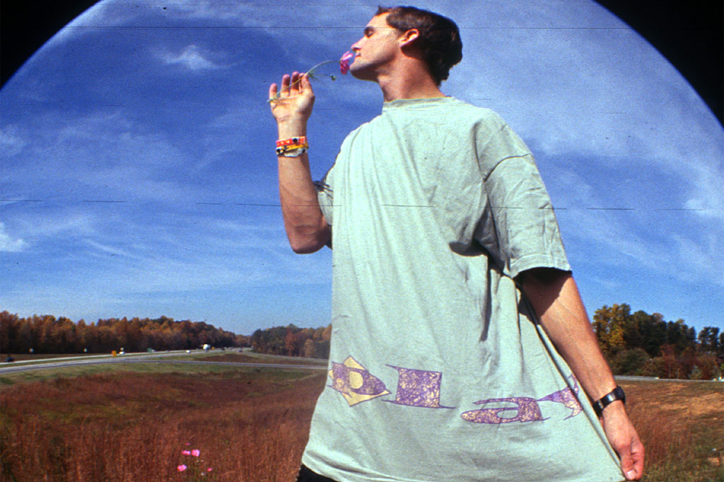 PLAY wraparound logo tee 1994