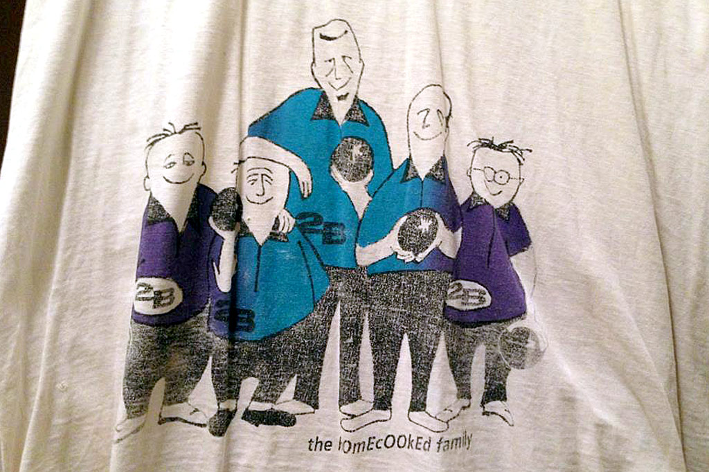 the Bowling Team shirt by 2B