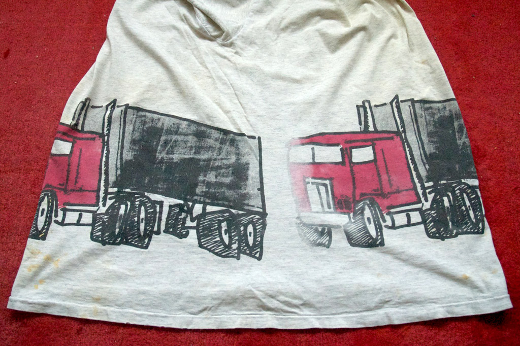 Side view of a 2B Convoy tee shirt.